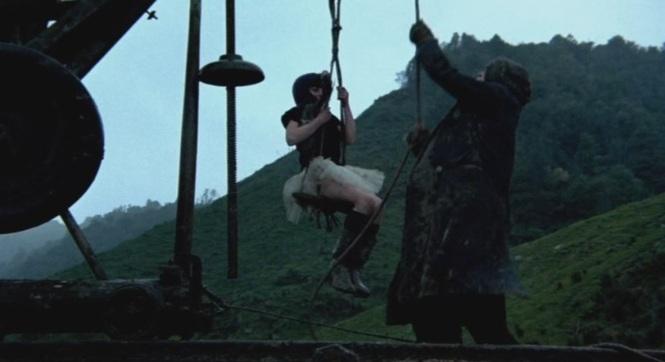 Vigil (1984) Toss (Fiona Kay)Birdie (Bill Kerr)Ethan machine