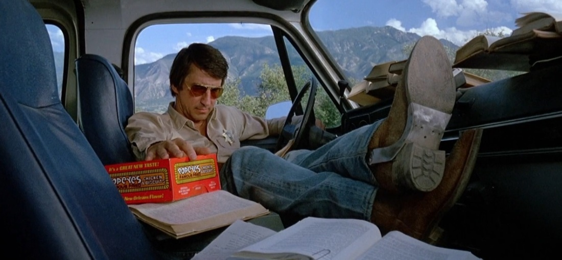 Warning Sign (1985) Sheriff Cal Morse (Sam Waterston) popeyes famous chicken cop car jeep