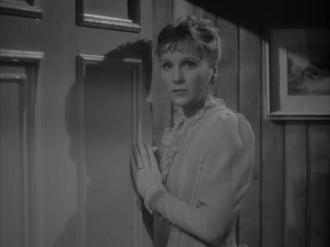 Gaslight (1940) Aton Walbrook Diana Wynyard door way